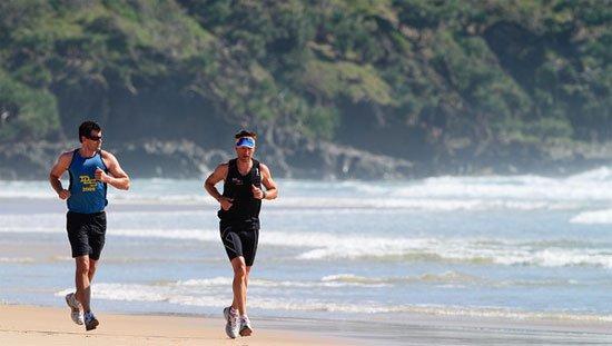 Đi bộ nhanh được đánh giá thấp hơn chạy bộ